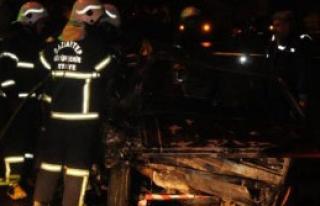 Kaza Yapan Otomobilin Şoförü Yanarak Can Verdi