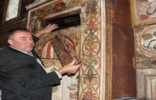 Mihrabında Bal Yetiştirilen Cami