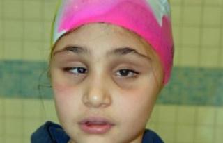 Görme Engelli Yüzücü Engel Tanımıyor