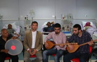 Diyaliz Hastalarının Canlı Müzik Keyfi