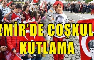 İzmir'de Coşkulu Kutlama