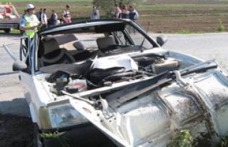 Cenazeye Giden Araç Kaza Yaptı: 6 Yaralı