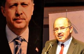 AKP'li Çelik: Obama Padişah mı?