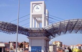 İzmir'de Rektörlük Yarışına Yeni Aday