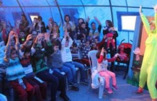 Buca'da Çadır Tiyatrosu Başladı