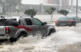 Antalya'da Yağmur Sürprizi