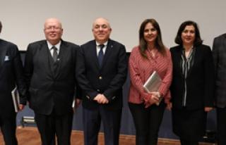 Yaşar Vakfı'ndan 'Atatürk' Paneli