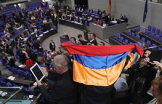 Almanya'daki Karara Siyasilerden Tepki Yağdı