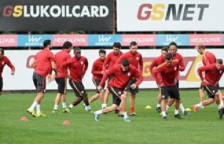 Galatasaray Benfica Karşısında