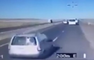 6 Polisin Yaralandığı Kaza Kamerada