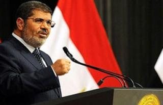 Mursi'nin Duruşması 8 Ocak'a Ertelendi