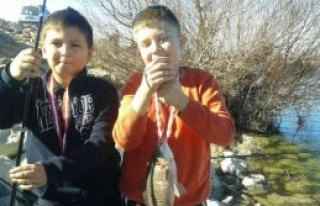 Öğrencilere Balık Tutma Yarışması