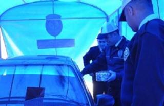 Hakkari'de Sürücülere Çadırlı Trafik Dersi
