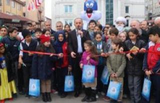 Bağcılar'da Çocuk Kitapları Fuarı Açıldı