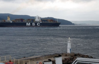 366 Metrelik Gemi Çanakkale Boğazı'ndan Geçti