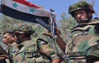 Esad'ın askerleri Türkiye'ye sığınıyor