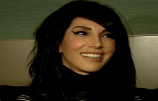 Hande Yener Vize Engeline Takıldı