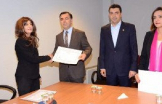 CHP İstanbul Milletvekilleri Mazbatalarını Aldı