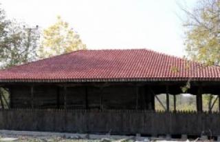 Ahşap Cami Restore Ediliyor