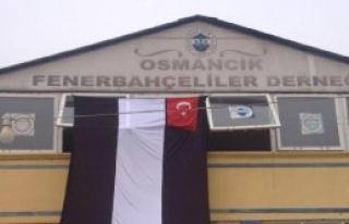 Fenerbahçeliler Derneği'ne Beşiktaş Bayrağı