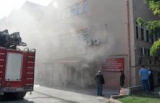 Hastanede Çıkan Yangın Panik Yarattı