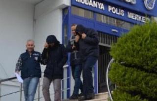 2 Dolandırıcı Tutuklandı