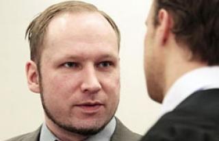 Breivik Hapisten Çete Kurmaya Kalktı