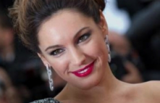 Kelly Brook Cannes'da Taciz