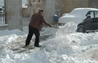 Posof'ta 20 Köy Yolunu Kar Kapattı