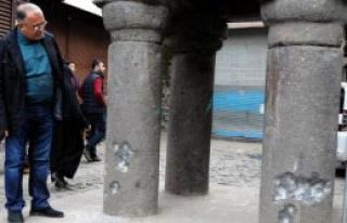Ayaklı Minare Çatışmada Hasar Gördü