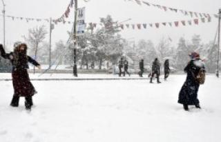 Tatilin Gözdesi Yine Kar