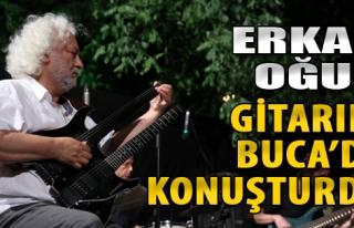 Erkan Oğur Gitarını Buca'da Konuşturdu