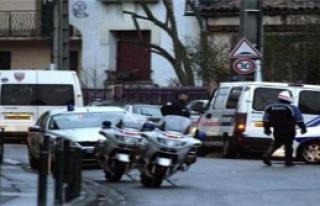 Fransa'daki operasyon kafa karıştırıyor