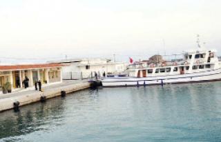 Türk gemisine komşu kelepçesi