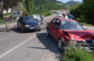 Kahramanmaraş'ta Otomobiller Çarpıştı