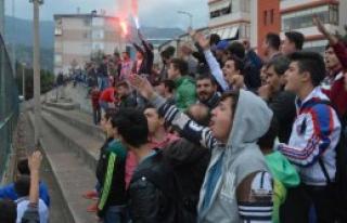 Karabüksporlu Taraftarlardan Futbolculara Tepki