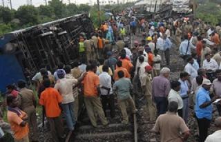Hindistan'da Tren Kazası
