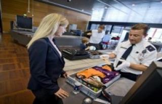 AB, Havaalanlarında Kontrollerin Sıkılaştırılmasına...