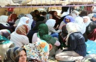 Adana'da Ölen 5 İşçi, Suruç'ta Toprağa Verildi