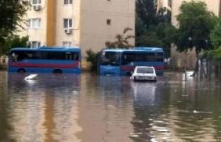 Adana'da Su Baskını