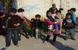 Suriyelilerin Kaldığı 10 Çadır Yandı