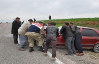Adıyaman'da 2 Otomobil Çarpıştı: 7 Yaralı