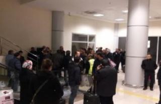 Ağrı Havalimanı'nda Uçuş Gerginliği