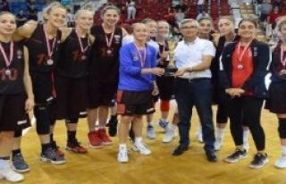 Agü Spor, 3'ncü Adana Büyükşehir Basketbol Turnuvası'na...