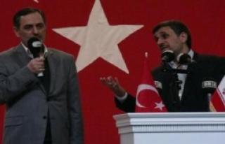 Ahmedinejad'ı Protesto Etti Ortalık Karıştı