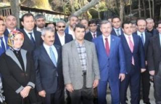 Ak Parti İçin Adadığı Koyunlar Türkmenlere Gönderildi