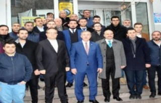 AK Parti'li Özdağ':Medyumluğa Soyunmuşsun