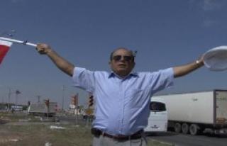 Aksaray'da Tek Kişilik Bayrak Eylemi
