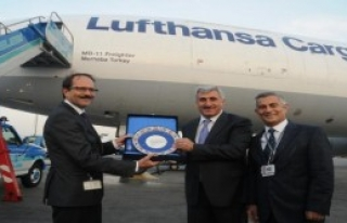 Alman Kargo Uçağına 'Turkçe İsim'