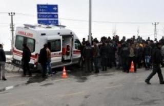Ambulans İle Otomobil Çarpıştı: 5 Yaralı